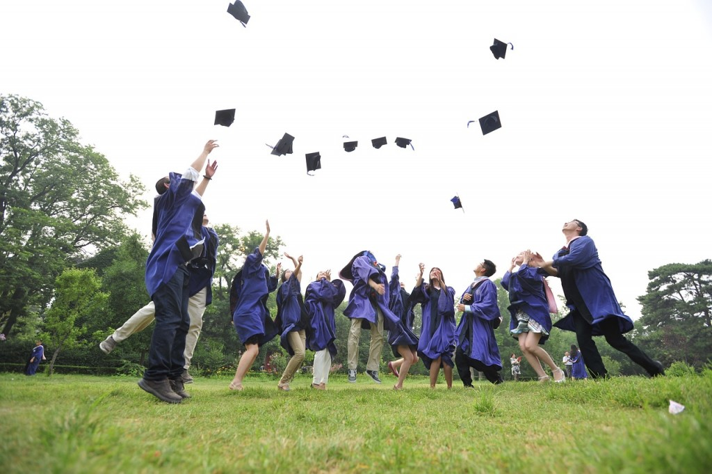 20 Awesome and Unique Gifts for Your Grad